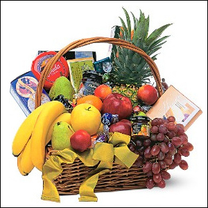 Gourmet Fruit Basket to Jamaica